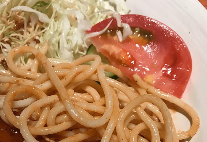 サラダとパスタ
